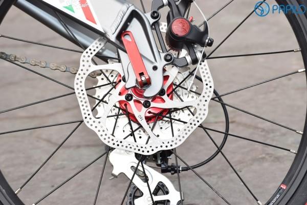 Xe đạp gấp được kiểm tra kỹ trước khi bán