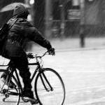 Những lời khuyên cho việc đi xe đạp trong mưa gió