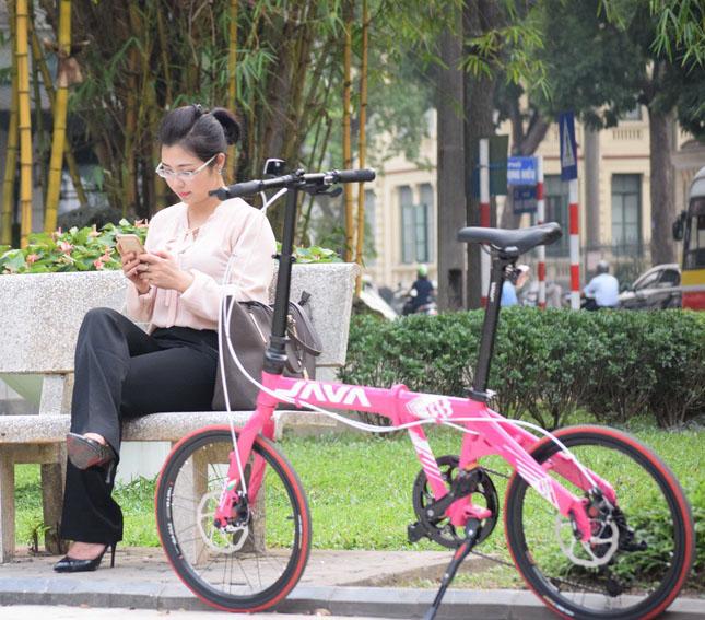 xe đạp gấp java phong cách thời trang