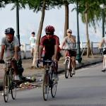 Tự khởi động bản thân: Cùng đạp xe thể dục để chống lại bệnh thoái hóa cột sống