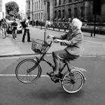 Cười bể bụng với xe đạp thể thao