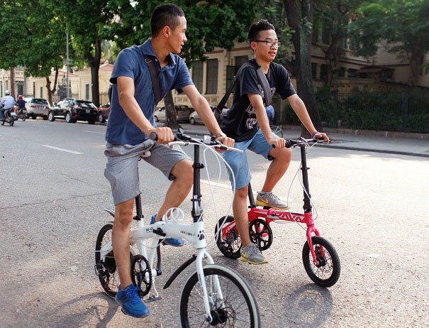 đi xe đạp gấp đúng cách