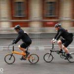 Bạn thích đạp xe một mình hay cùng bạn bè?