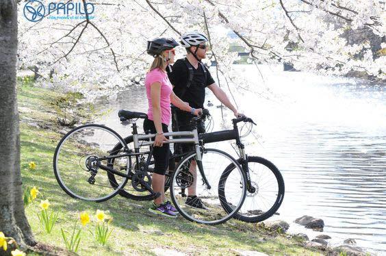 Đạp xe cùng bạn rất thú vị