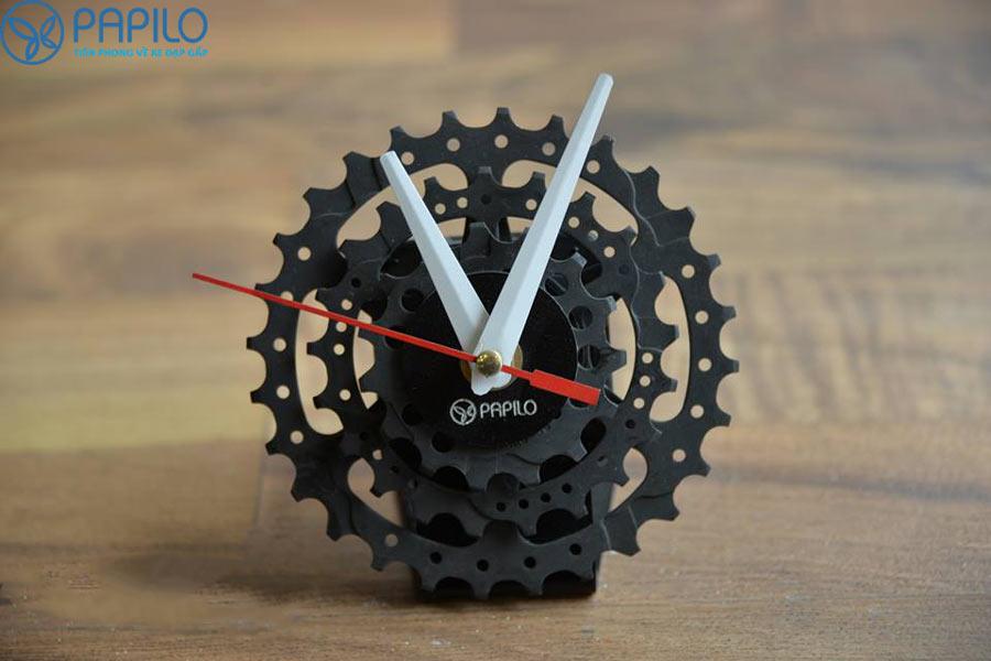 Đồng hồ bằng líp xe đạp độc đáo